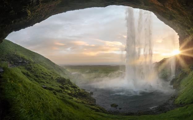 Waterfalls in Iceland - Seljalandsfoss Waterfall Iceland
